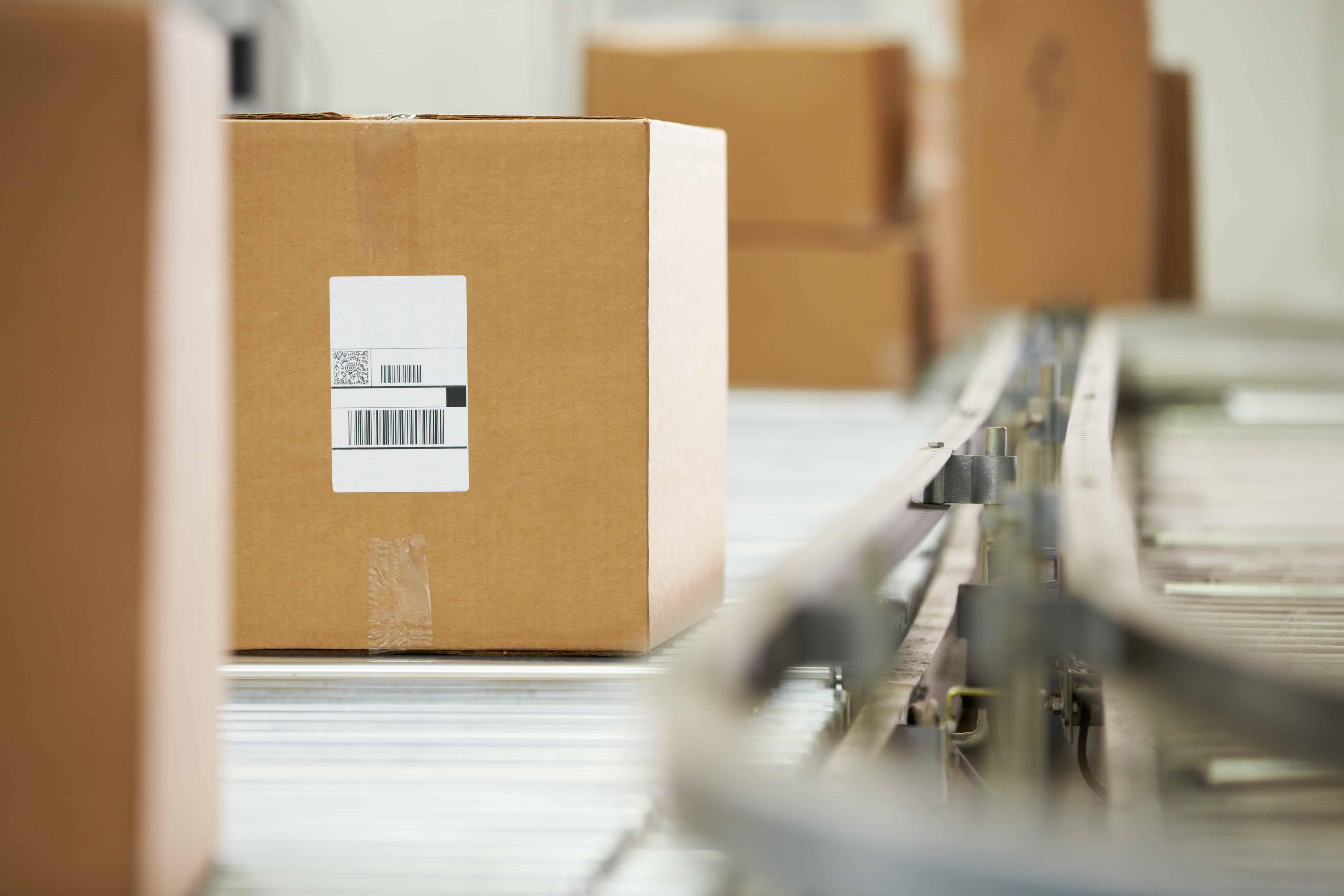 ecommerce fulfillment warehouse conveyor