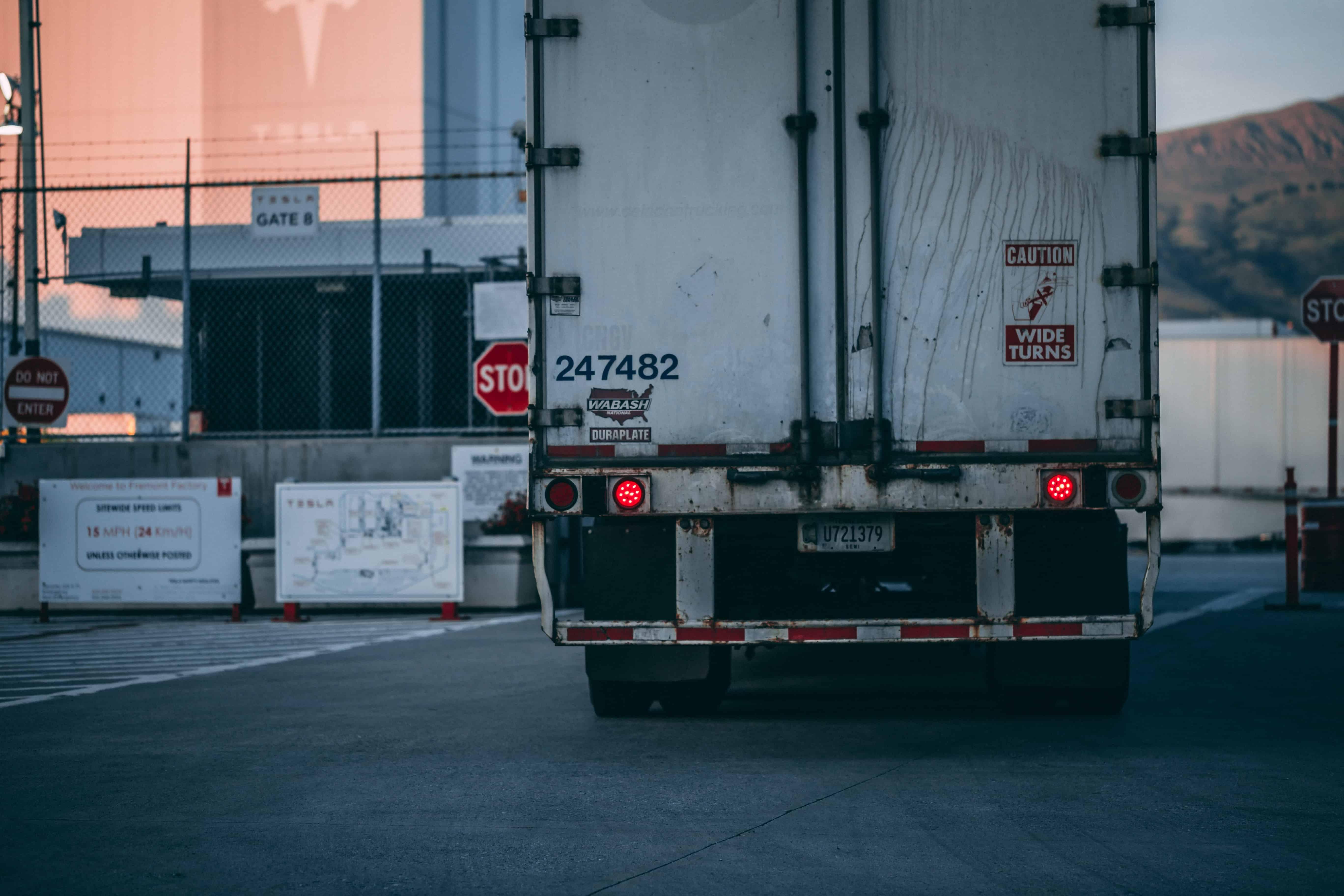 Drayage truck
